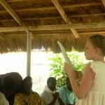 Incontro con gli studenti universitari a Lomè - Lara legge la lettera su Urbana