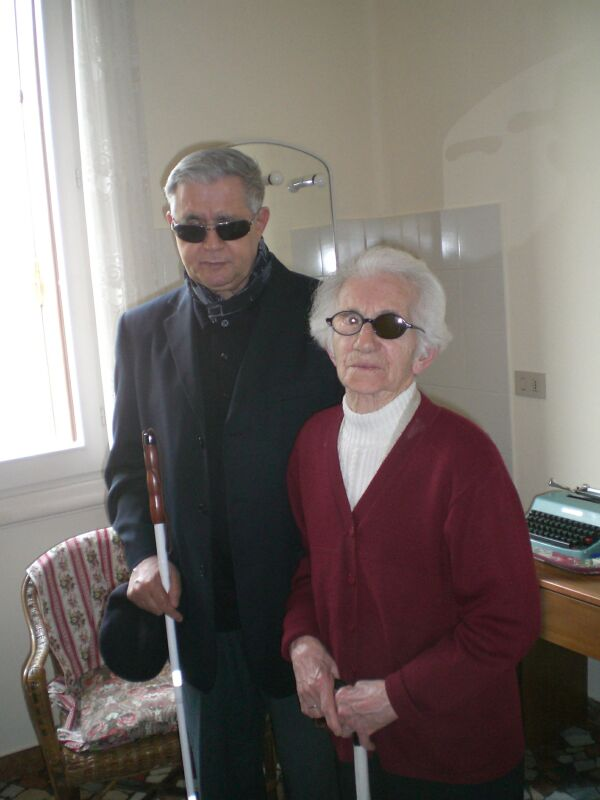 Jolanda Mazzali con Padre Fabio Gilli (2009)