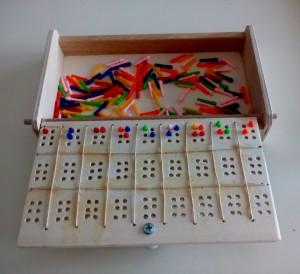 Cassetta per chiodini e braille